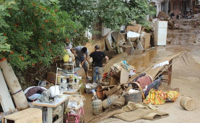 Sel felaketinde mağdur olan vatandaşlar yardım eli bekliyor