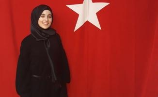 Üniversite öğrencisi Tuba Karakaş'tan tıklanma rekorları kıran şiir