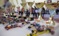 Robot yarışmasına damga vuran öğrenciler ödüllendirildi