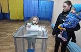 Ukrayna Devlet Başkanını Seçmek İçin Sandık Başına Gitti