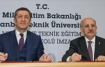 Türkiye'de Bir İlk: Lisede Akademisyenler Eğitim Verecek