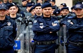 POLİSLERE BAYRAM MÜJDESİ