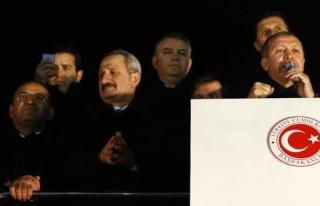 ZAFER ÇAĞLAYAN VE MUAMMER GÜLER İSTİFA ETTİ...