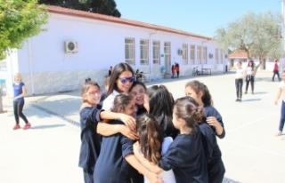 Olimpik Anneler Projesi, milli sporcuları öğrencilerle...