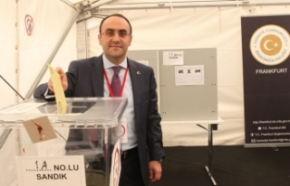 Yurtdışı seçmenlerin oy verme işleminde ilk günde...