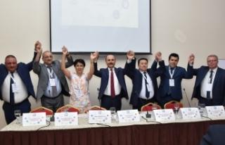 Türk Eğitim-Sen Genel Başkanı Talip Geylan UAESEB'İN...