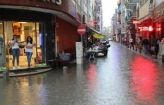 Dakikalar İçinde Bu Hale Geldi: Şiddetli Yağış...
