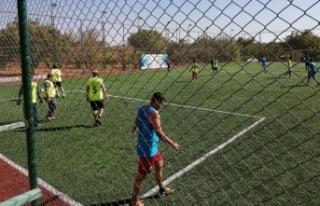 Eğitimcilerden Öğretmenler Günü için futbol...