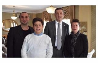 Milli Eğitim Bakanı Ziya Selçuk: Otizmli Ozan Barış...
