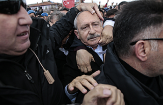 CHP Lideri Kılıçdaroğlu'na Şehit Cenazesinde...