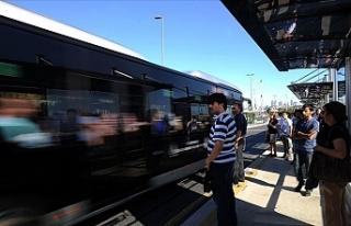 İBB'den Trafiğe Çözüm: Metrobüs Seferleri...