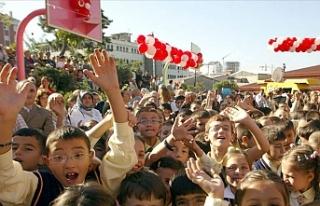 2 Milyon 819 Bin Öğrencimiz, 198 Bin Öğretmenimiz...