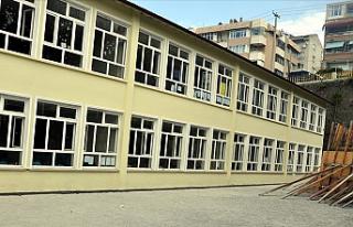 Alsancak İlkokulu ve Alsancak Ortaokulu'nda...