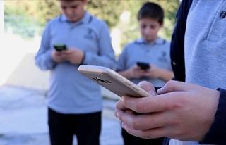 Edirne'de Öğrenciler Okulda Cep Telefonu Kullanamayacak