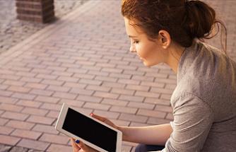 Dijital Bağımlılık, Özellikle 13-24 Yaşlarındaki Çocuk ve Gençleri Tehdit Ediyor
