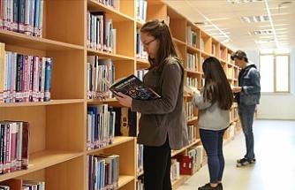 Trakya Üniversitesi Merkez Kütüphanesi, 24 Saat Öğrencilere Hizmet Veriyor