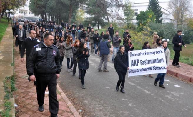 TÜRKİYE'DE BU DA OLDU. ÜNİVERSİTELER ODTÜ'DEKİ PROTESTOYU KINADI.