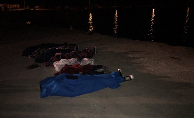 Çanakkale'de göçmenleri taşıyan tekne battı: 7 ölü