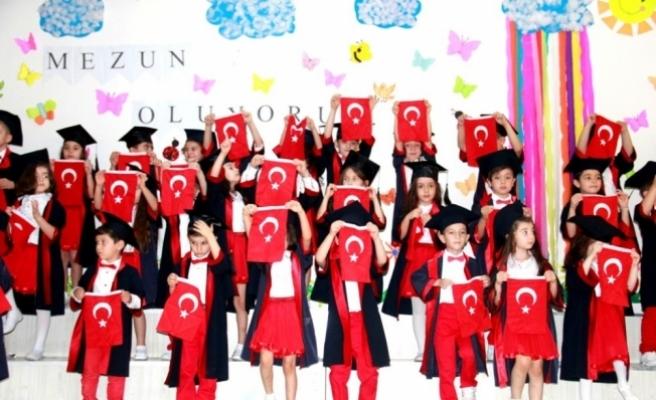 Sarıgöl'de anaokulu öğrencilerinden kepli mezuniyet