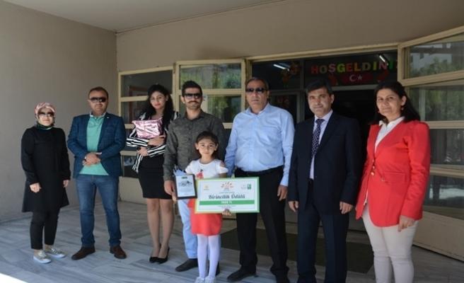 Türkiye birincisi öğrenci ödüllendirildi