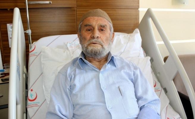 85 yaşındaki 'Genç' ömründe ilk defa hastaneye gitti
