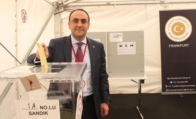 Yurtdışı seçmenlerin oy verme işleminde ilk günde rekor kırıldı