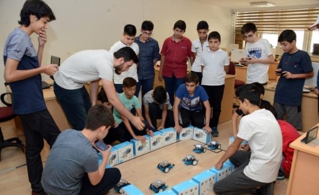 Geleceğin yazılımcıları Genç KOMEK'te yetişiyor