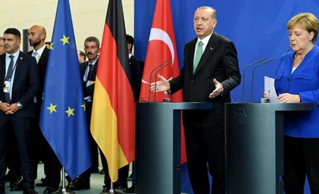 Başkan Erdoğan Açıkladı: Vize Serbestisi İçin Sadece 6 Kriter Kaldı