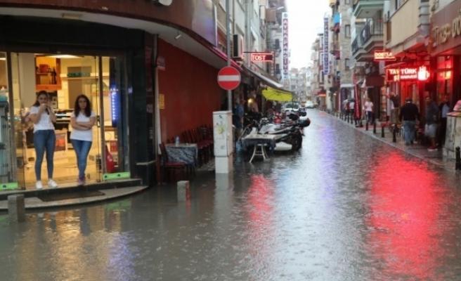 Dakikalar İçinde Bu Hale Geldi: Şiddetli Yağış Bir Şehri Daha Teslim Aldı