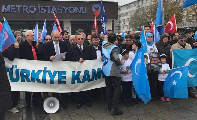 Çin'in Doğu Türkistan Zulmü Kamusen İstanbul Şubeleri Tarafından Protesto Edildi