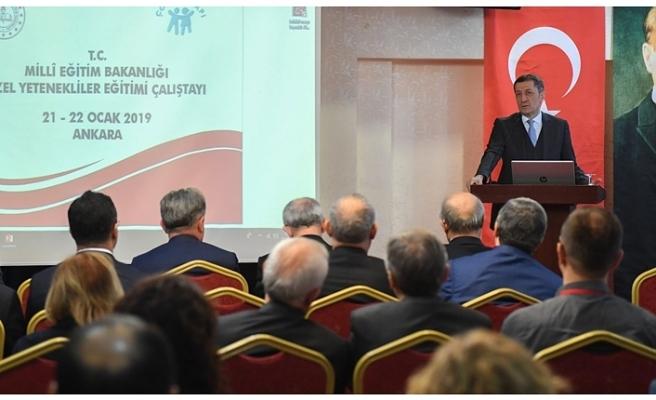 Millî Eğitim Bakanı Ziya Selçuk, Özel Yetenekliler Eğitimi Çalıştayı'na Katıldı