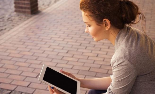 30 Bin Öğrenciye Dijital Okuryazarlık Dersi
