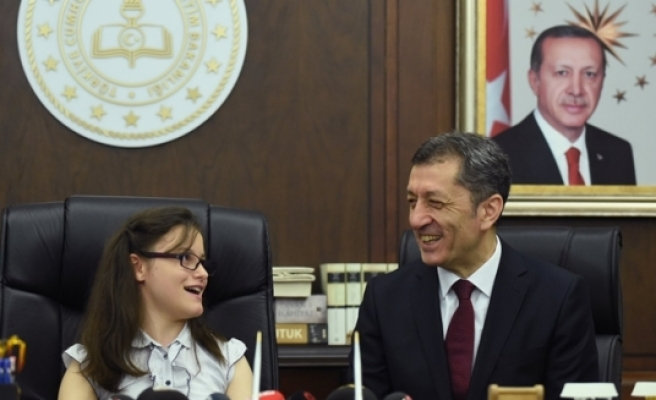 Milli Eğitim Bakanı Selçuk, Belinay Ceren Çoban: Çocuklardan Tek İsteğim Hep Mutlu Olmaları