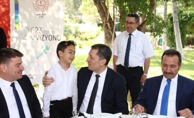 Milli Eğitim Bakanı Ziya Selçuk, Aksaray'da Öğretmenlerle Buluştu