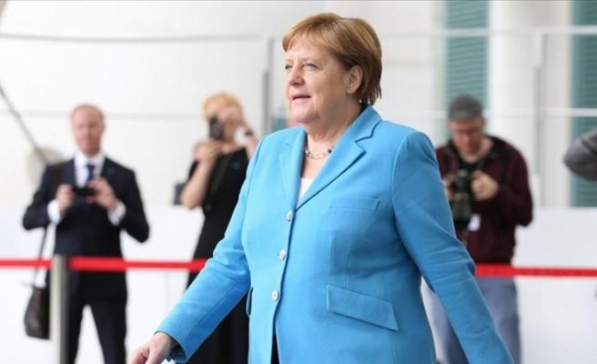 Almanya Başbakanı Angela Merkel, Sağlık Durumuna İlişkin Endişe Etmeye Gerek Yok, Ben İyiyim