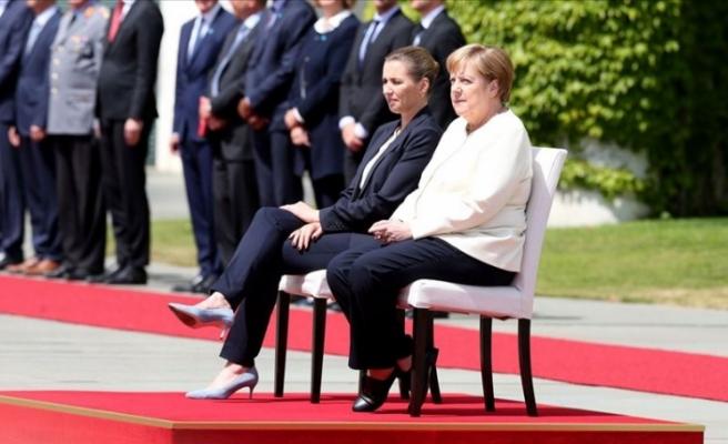 Almanya Başbakanı Merkel'in Titreme Nöbetine Özel Önlem