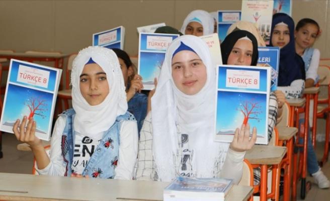 Kilis'te Yaşayan Suriyeli Öğrenciler, Okula Başlamanın Mutluluğunu Yaşadı