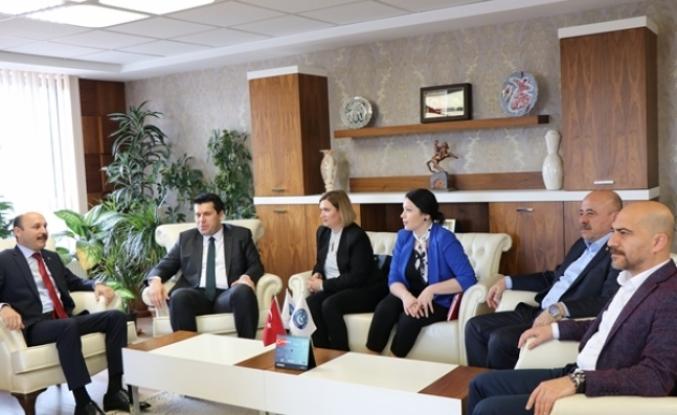 Makedonya Devlet Bakanı Elvin Hasan, Türk Eğitim Sen Genel Merkezini Ziyaret Etti