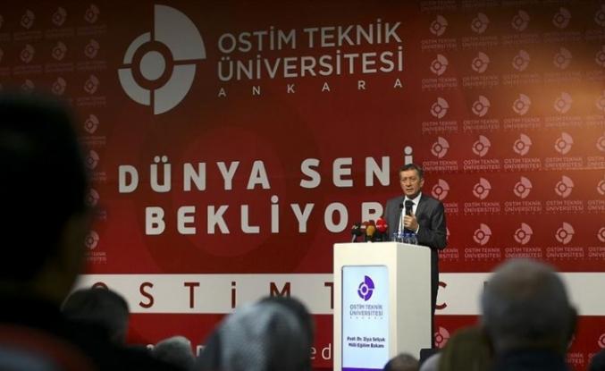 Milli Eğitim Bakanı Selçuk, Zamanın Ruhuna Saygı Göstermek İçin Değişimlerin İçindeyiz