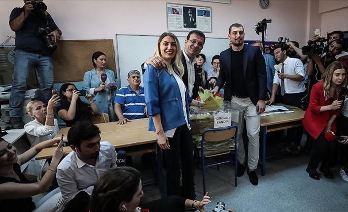 CHP İstanbul Büyükşehir Belediye Başkanı Adayı Ekrem İmamoğlu, Oyunu Beylikdüzü'nde Kullandı