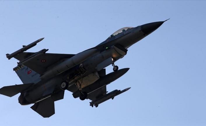 Barış Pınarı Harekât Kapsamında, 180'den Fazla Hedef Vuruldu