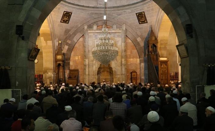 Camilerde Mehmetçik İçin Zafer Duası