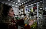 400 Çeşit Kolonya Kokusu İle Parfümlere Kafa Tutuyor
