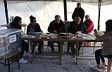 Denizli'de Depremzedeler Çadırda Oy Kullanıyor