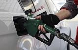 Benzinin Litre Fiyatına 15, Motorinin Litre Fiyatına 10 Kuruş Zam Geldi