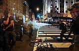 Trump'a Destek Eylemlerinde Karşıt Görüşlü Gruplar Arasında Kavga Çıktı