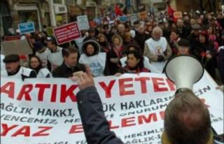 Öğretim üyeleri Sağlık Bakanlığı'nı protesto...