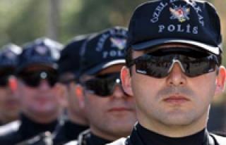 GÖREVDE ÜNİVERSİTE OKUYAN POLİSLER EMNİYET MÜDÜRÜ...