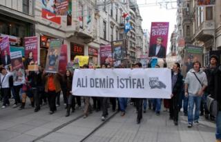 LİSE ÖĞRENCİLERİ 'YGS'Yİ PROTESTO ETTİ