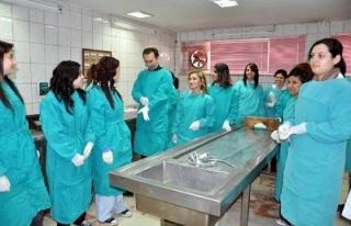 Fırat Üniversitesinin 'otopsi melekleri'
